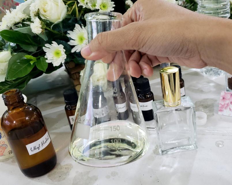 فرایند ساخته شدن عطرها