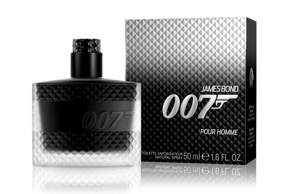 جیمز باند 007 - 007 Pour Home