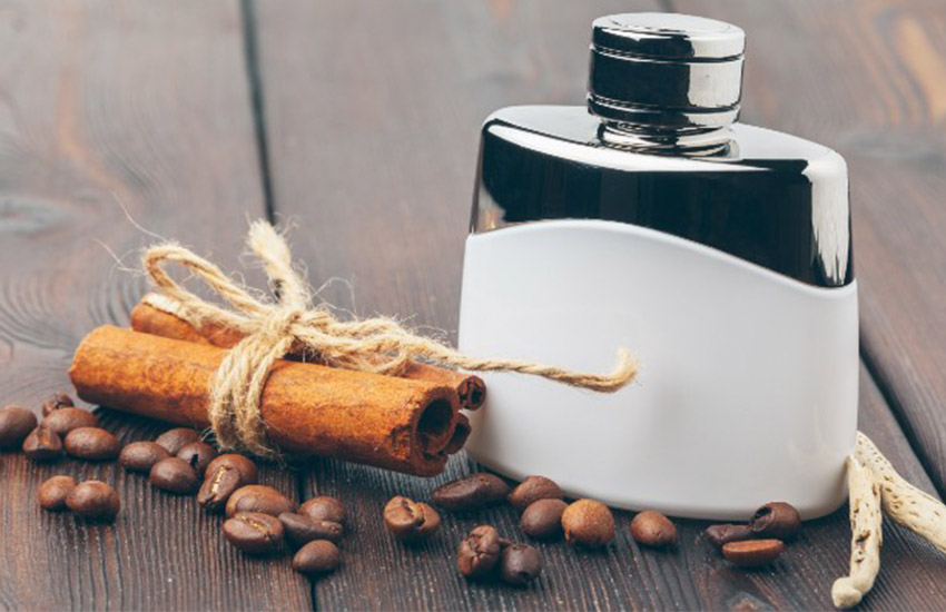راهنمای تشدید بوی عطر- عطرهای روغنی را پشت گوش بزنید