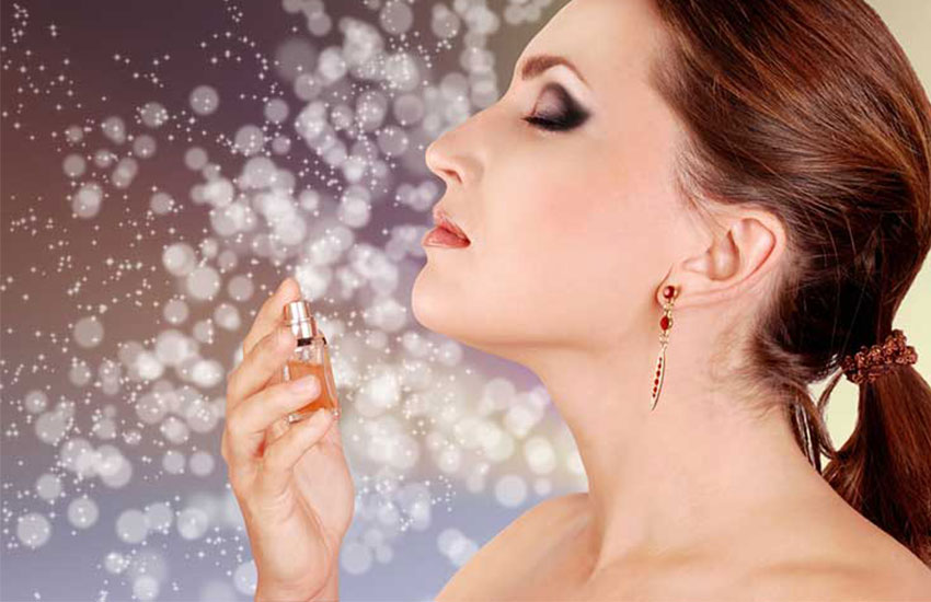 عطر زنانه با بوی گل یاس