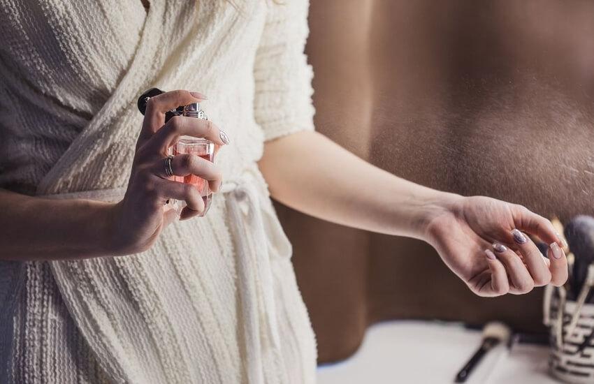 خرید در مورد عطر و رایحه مورد علاقه خود